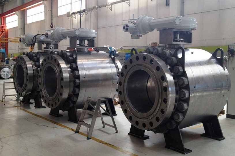 Displaying three huge speherical valves designed by the globe valve manufacturers